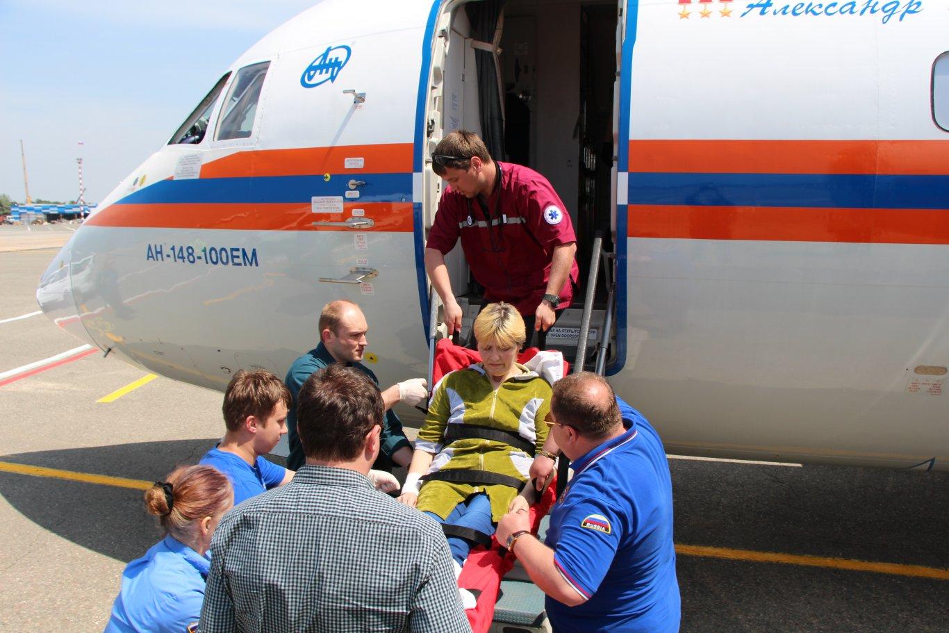 Перевозка лежачего больного в аэропорт